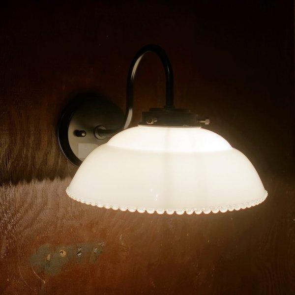 画像1: 9901ブラケットライト フチナミ乳白 (1)